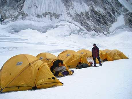 SummitClimb Everest - Lhotse International Expedition 2005 SummitClimb Tents at C& one on Everest & SummitClimb Everest - Lhotse International Expedition 2005 ...