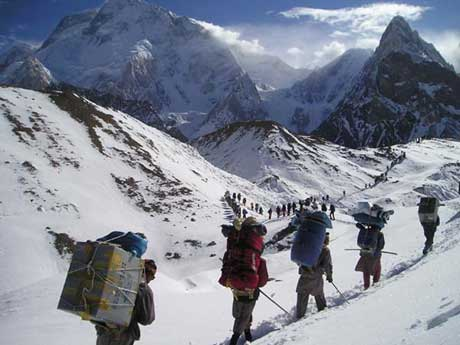 corpses on mount everest. to clean up Mt Everest and